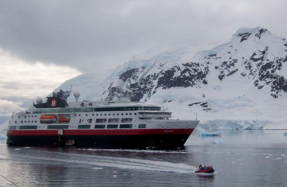 hurtigruten-fram-antarctic-peninsula-antarctica1152_12865314305-tpfil02aw-3934.jpg