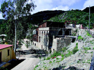 miniera-rosas-hotel-villaggio-minerario-laveria-fileminimizer.jpg